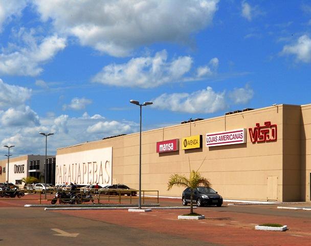 Unique Shopping apresenta novas cores da fachada