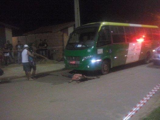 homem morre após colisão entre ónibus do transporte publico com motocicleta