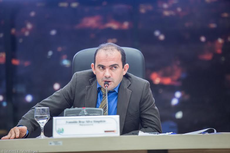 Vereadores solicitam melhorias na infraestrutura do Estádio Rosenão