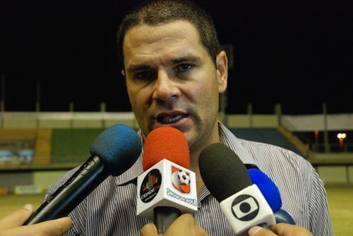 Léo Goiano é tecnico do Bandeirante Esporte Clube