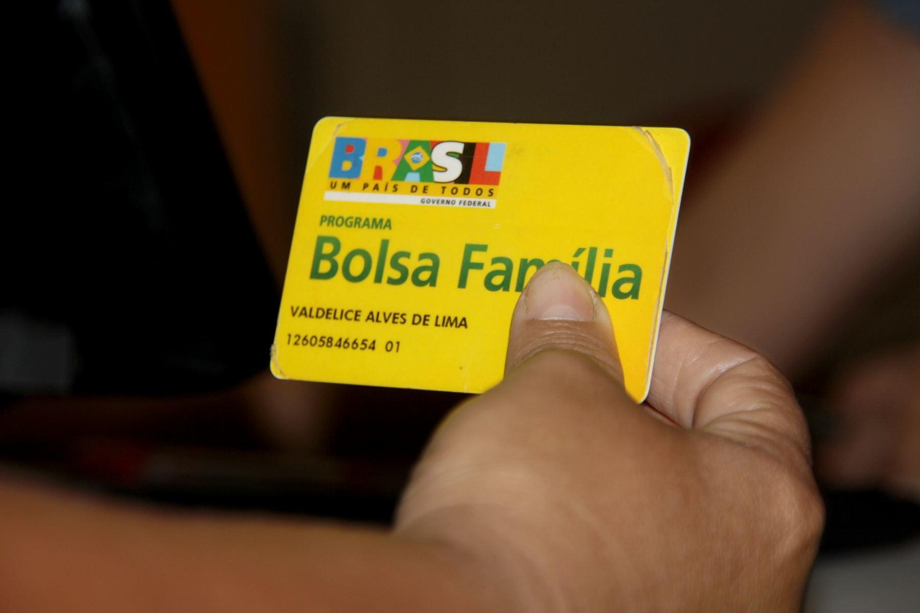 Bolsa Família será concedida para 870 mil famílias no Estado