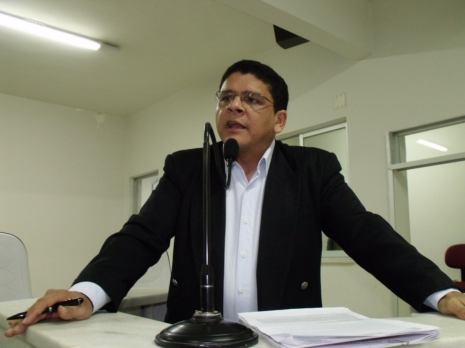 Edmilson Sanches ministra palestras no aniversário da Academia Parauapebense de Letras