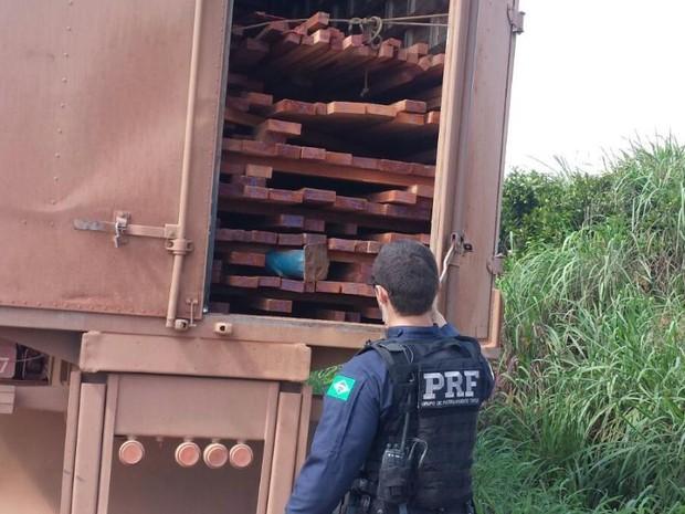 Policia Rodoviária Federal apreende 17m³ de madeira ilegal no sudeste do Pará
