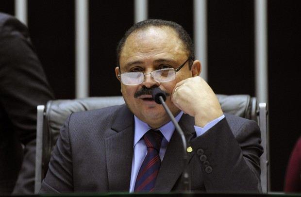 Presidente interino da Câmara anula votação do impeachment
