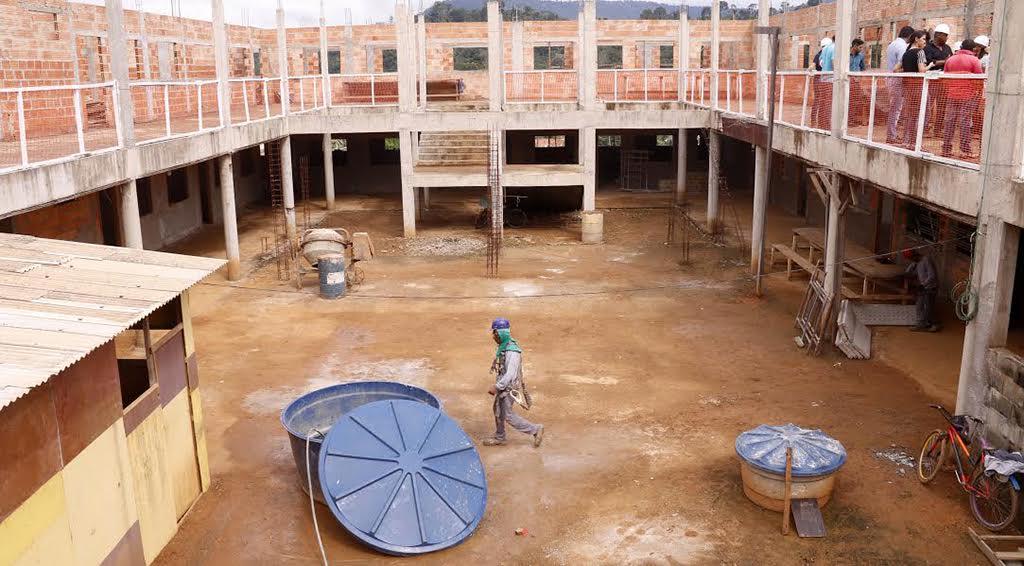 Obra de escola do complexo VS10 é retomada e irá atender 550 crianças
