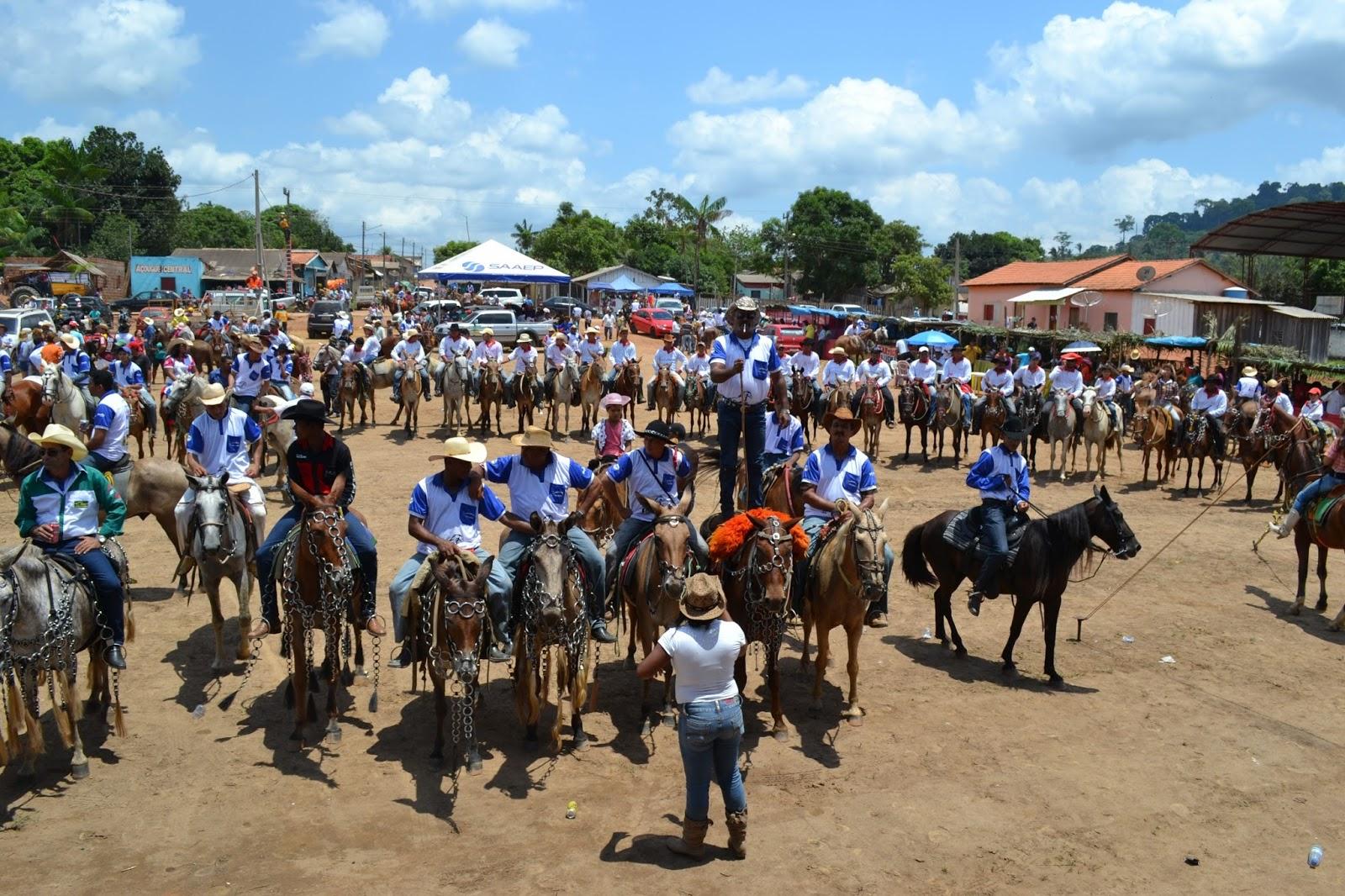 Aniversario de 22 anos da Vila Sanção em Parauapebas é comemorada com cavalgada e diversos shows