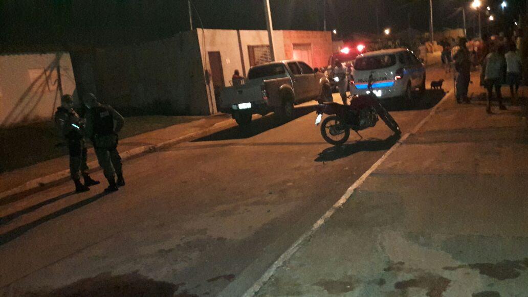 Homem é morto com uma facada no pescoço no bairro Vale do Sol