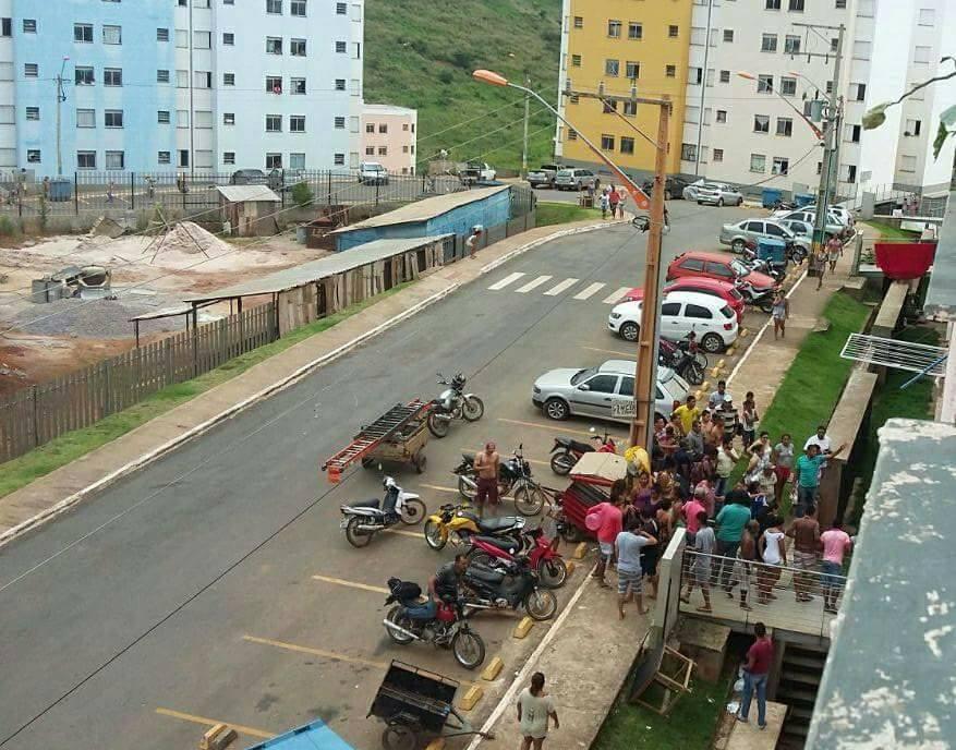 Homem armado invade o residencial Alto Bonito e atira contra os apartamentos