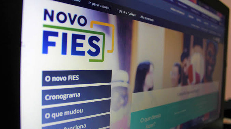 Financiamento do Fies pode ficar quase 200% mais caro de uma instituição para outra