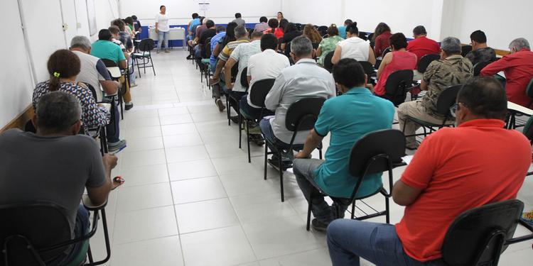 Ufopa abre processos seletivos com salários de até R$4,7 mil
