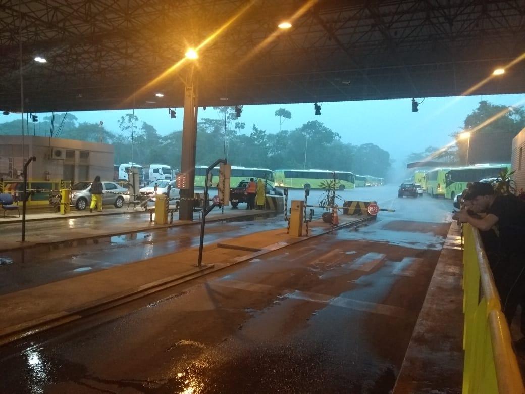 Portaria de acesso a Carajás é liberada e funcionários sobem para 'troca de turno'
