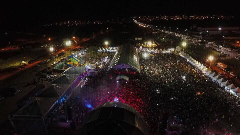 Show em dose dupla leva multidão ao aniversário de Curionópolis