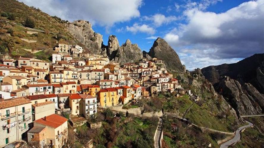 Itália paga R$ 3 mil por mês a quem quiser se mudar para cidades vazias