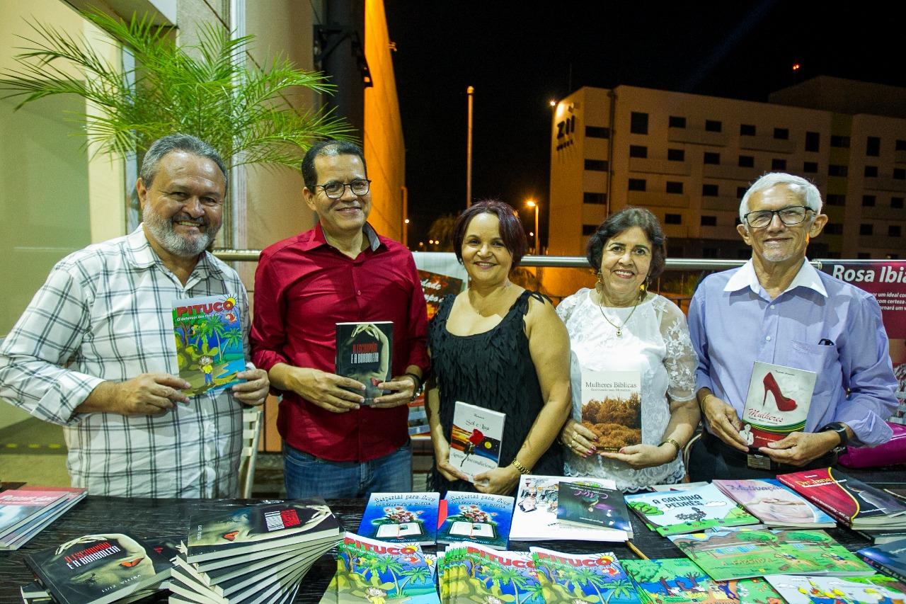Academia Parauapebense de Letras homenageia mulheres  em Parauapebas