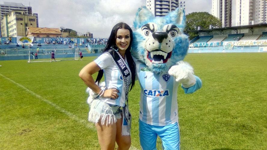 Parauapebense e musa do Paysandu se apresenta na Curuzu após vencer concurso nacional