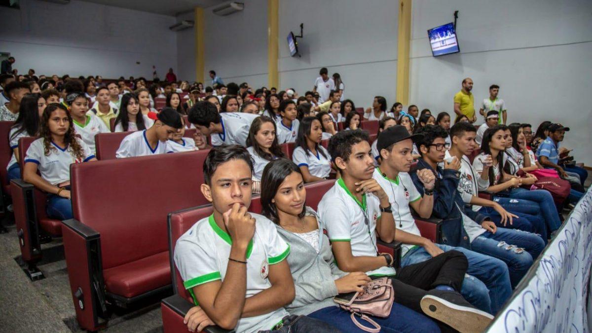 Emenda Parlamentar de Rafael Ribeiro garante Cursinho Popular da Juventude em Parauapebas