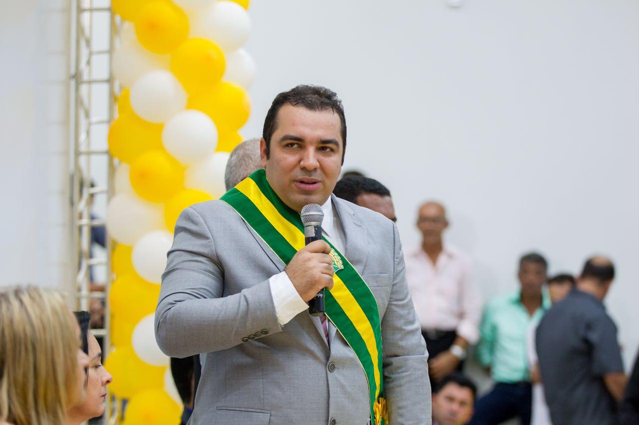 Prefeito Adonei Aguiar, secretários e escritório terão que depositar mais de R$ 2 milhões em Curionópolis