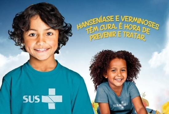 Campanha de combate à hanseníase e verminose chega às escolas