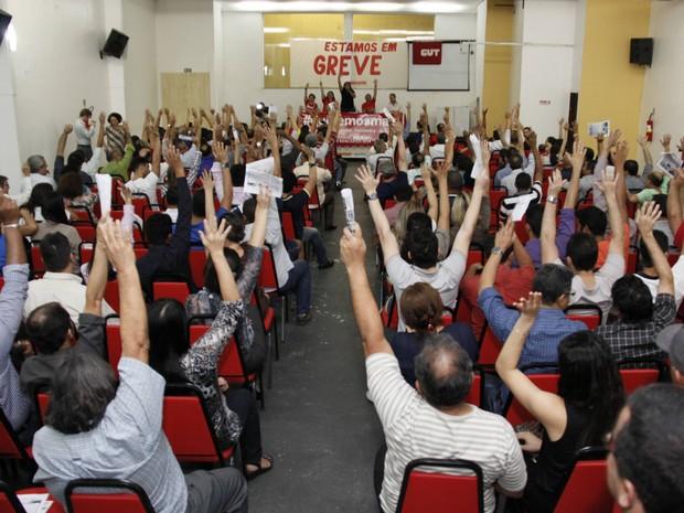 Após assembleia, bancários do Pará decidem pela greve