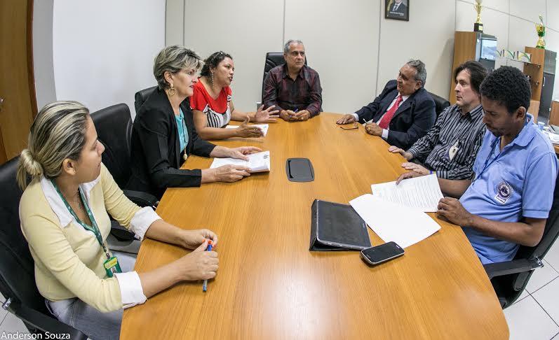 Prefeitura assina contrato com FADESP para realização de concurso público