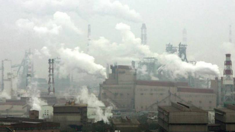 Minério de ferro cai a nova mínima histórica na China
