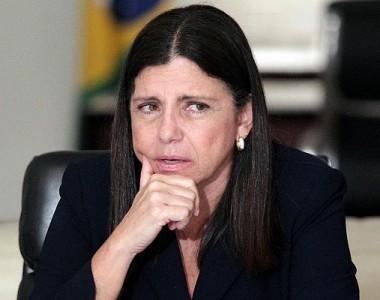Roseana Sarney recebe aumento em aposentadoria de servidora do Senado