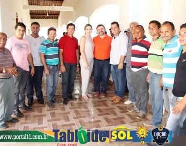 Presidente do Dem de Curionópolis recebe deputado Hillton Aguiar em sua residência