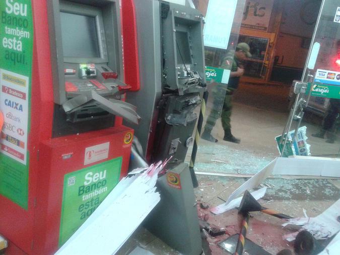 Assalto : Caixa eletrônico no bairros dos Minério é explodido nesta madrugada