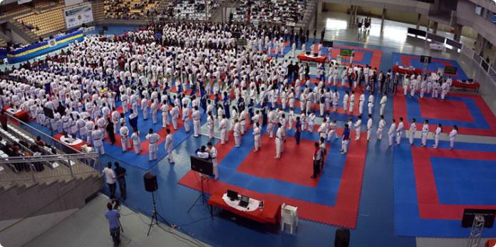 Atletas da Associação Kimê participam do Campeonato Brasileiro de Karatê 2015