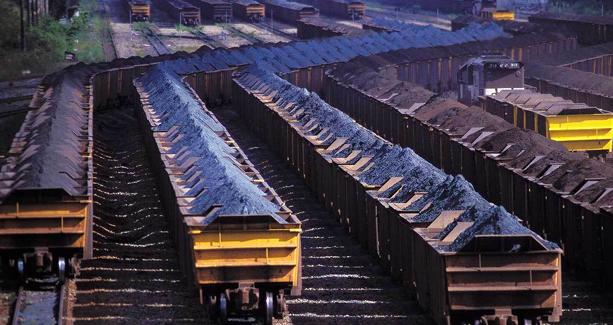 Exportações de minério de ferro aumentam 8% em novembro