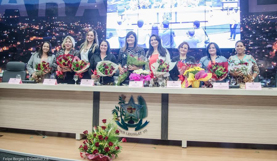 Mulheres são homenageadas em sessão solene na Câmara de Vereadores