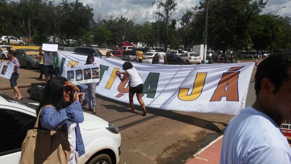 Vem pra rua: Manifestantes protestam contra a corrupção em Parauapebas