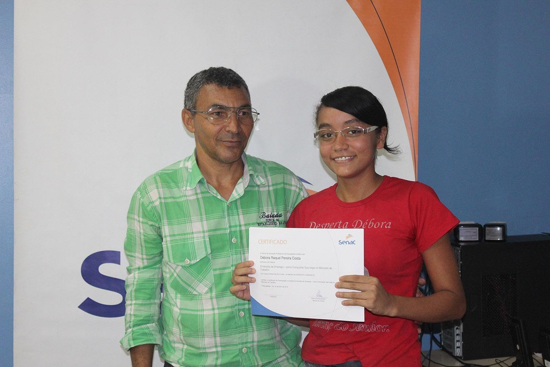 Sine e Senac entregam cerca de 150 certificados de qualificação profissional