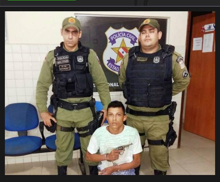 """Um preso e outro baleado: Bandidos que """"tocavam"""" o terror em moto Biz são presos pela policia"""