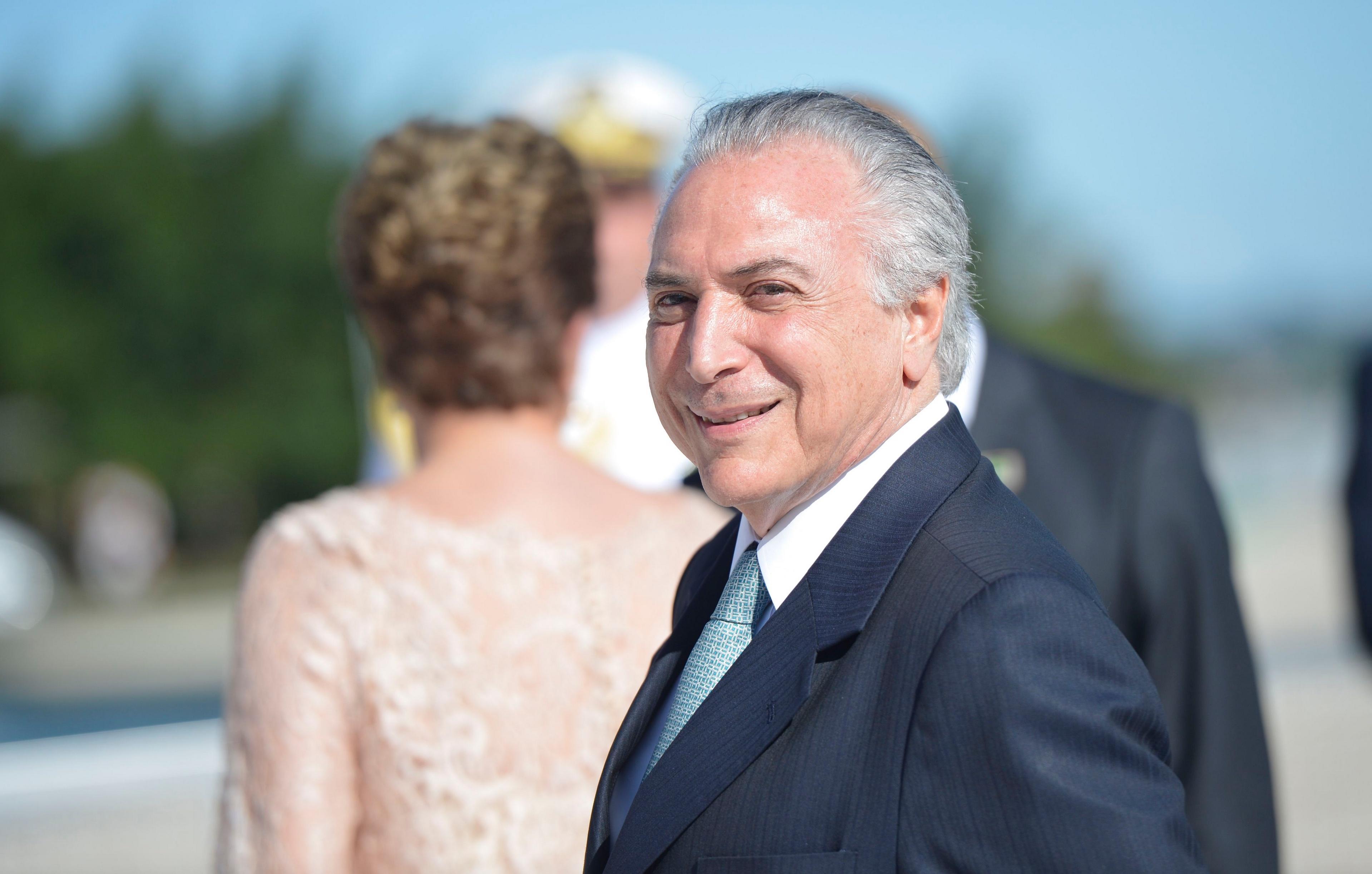 Dono da JBS gravou Temer dando aval para comprar silêncio de Cunha, diz jornal