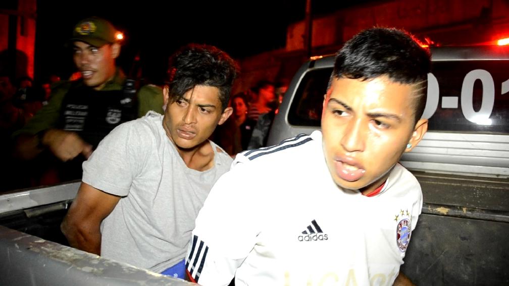 Dupla é presa com arma e é suspeita de ter executado jovem no bairro Altamira