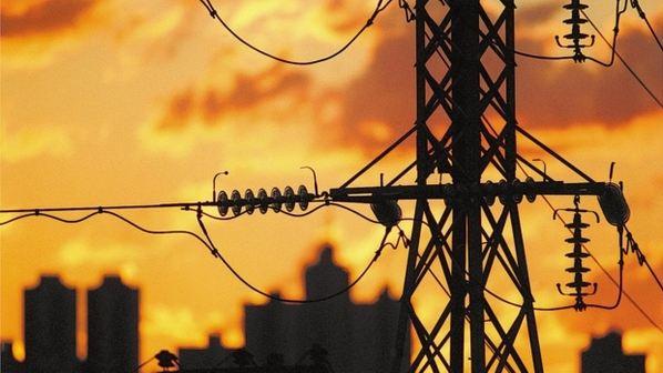 Contas de luz devem subir 9% este ano com indenização