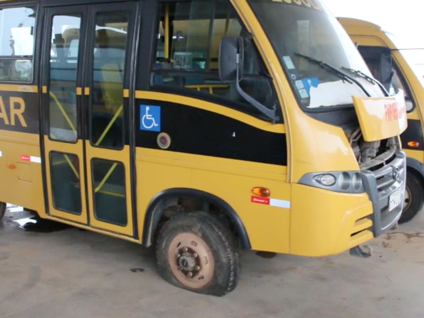 Frota sucateada: Alunos que necessitam do transporte escolar estão sendo prejudicados