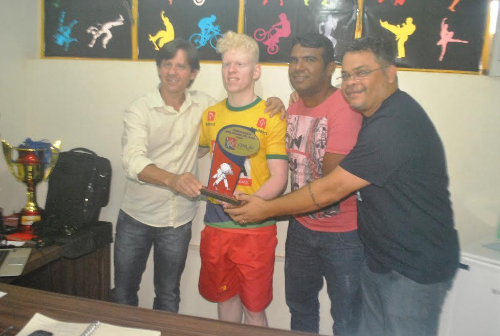 Melhores do ano, Judoca parauapebense é premiado em Belém