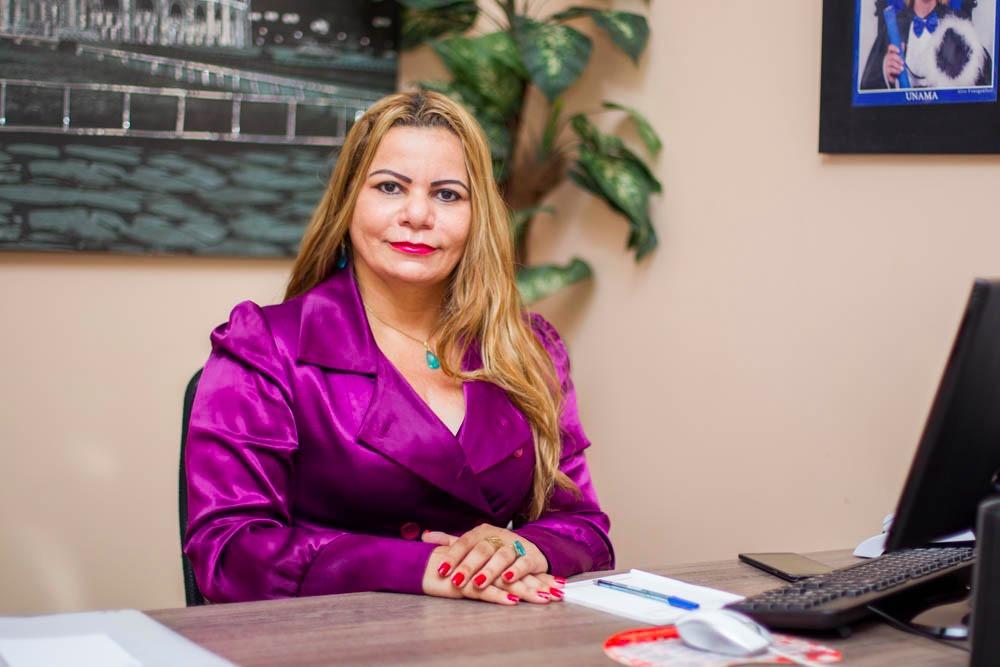 Evento 'Mulher de Destaque do Pará' premia contadora de Parauapebas