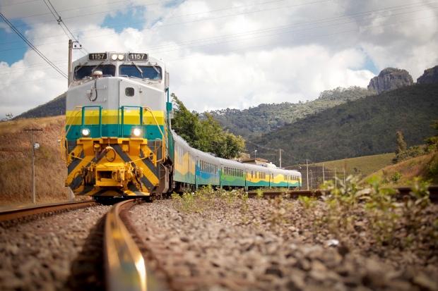 Moradores do Cidade Jardim e Nova Carajás reclamam de barulho do trem e ameaçam fechar a ferrovia