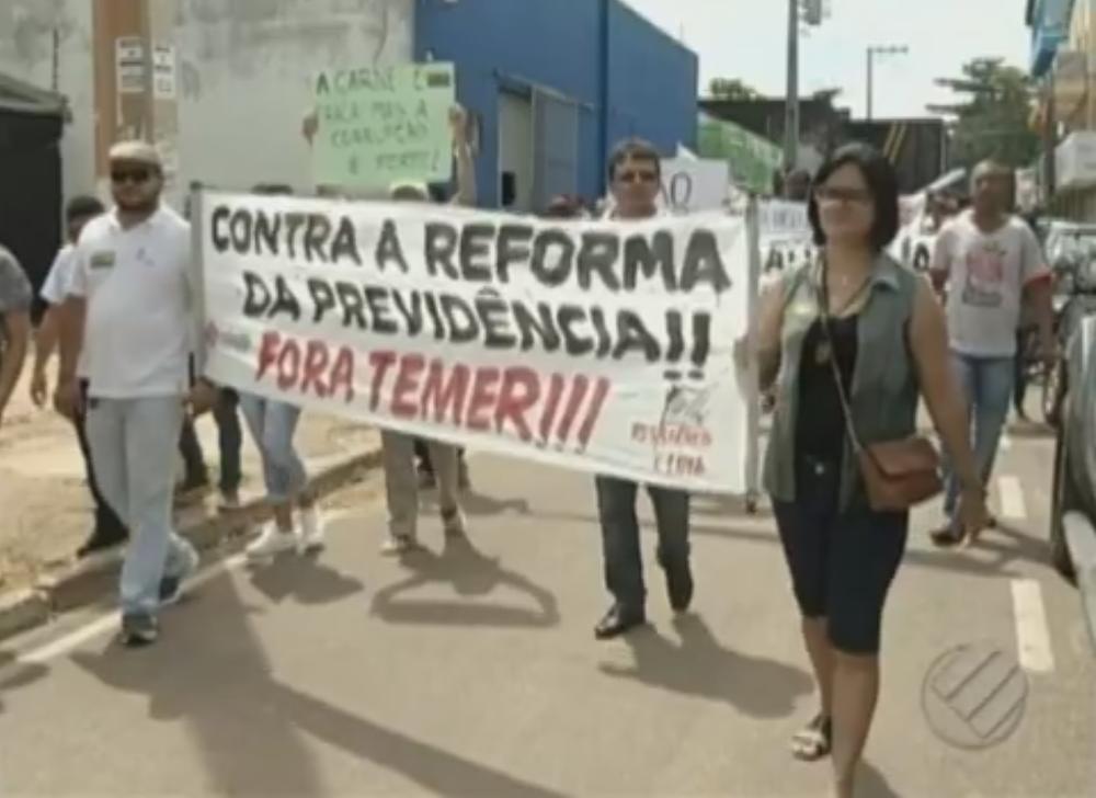 Seduc irá descontar pagamento de professores grevistas de Parauapebas