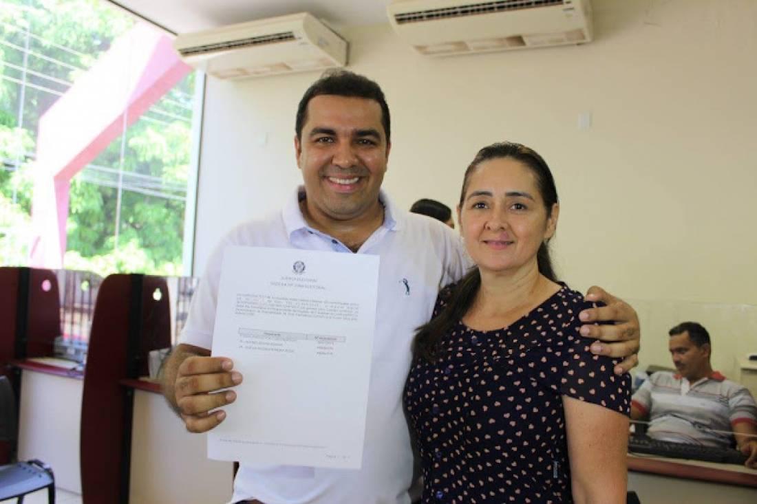 Vice-prefeita de Curionópolis protocola carta solicitando o cancelamento de renúncia do cargo
