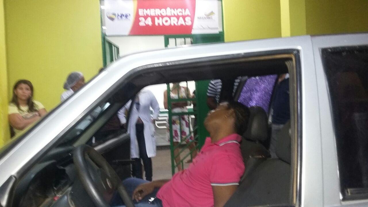 Homem é executado dentro de carro no bairro da Paz e motorista é baleado