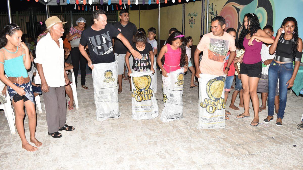 Pais recebem comemoração especial no Cras Minérios