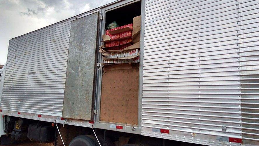 SEFA apreende caminhão com 12 mil latas de cervejas que teria como destino o município de Marabá