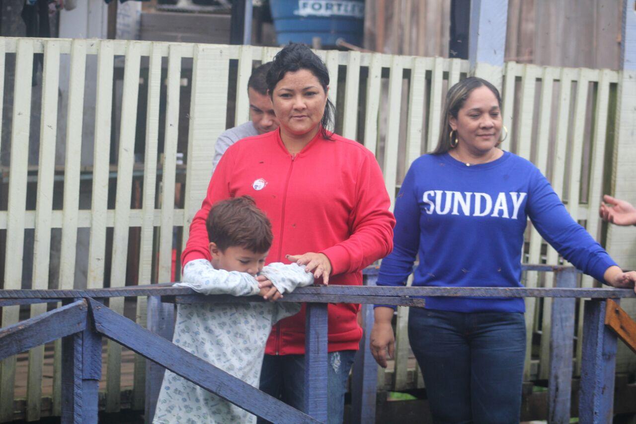 Vereadora Kelen Adriana visita ocupação das Palafitas após a forte chuva
