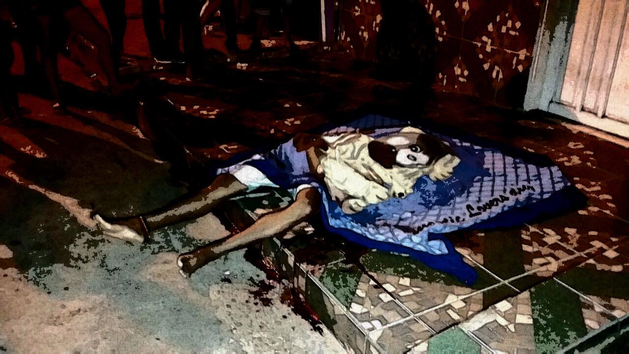 Jovem é executado à tiros na porta de casa no bairro Liberdade enquanto conversava com amigos