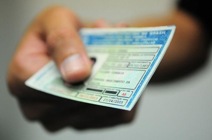 Concessão gratuita de CNH para pessoas de baixa renda é proposta na Câmara de Parauapebas