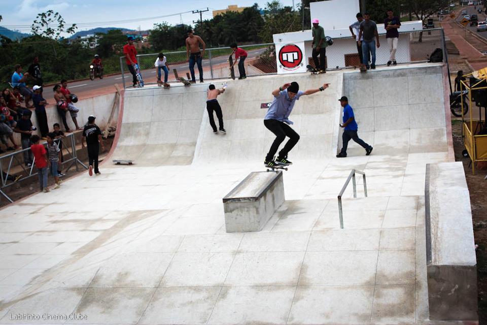 Vereador Braz solicita a instalação de uma tela de proteção junto à pista de skate e bmx de Parauapebas